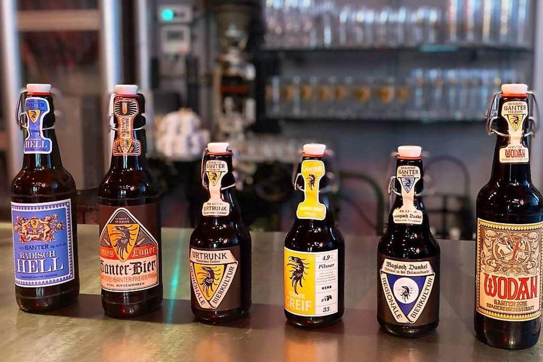 Von hell (links) bis dunkel (rechts): ... Ihrem umfangreichen Verkostungspaket.    Foto: Brauerei Ganter