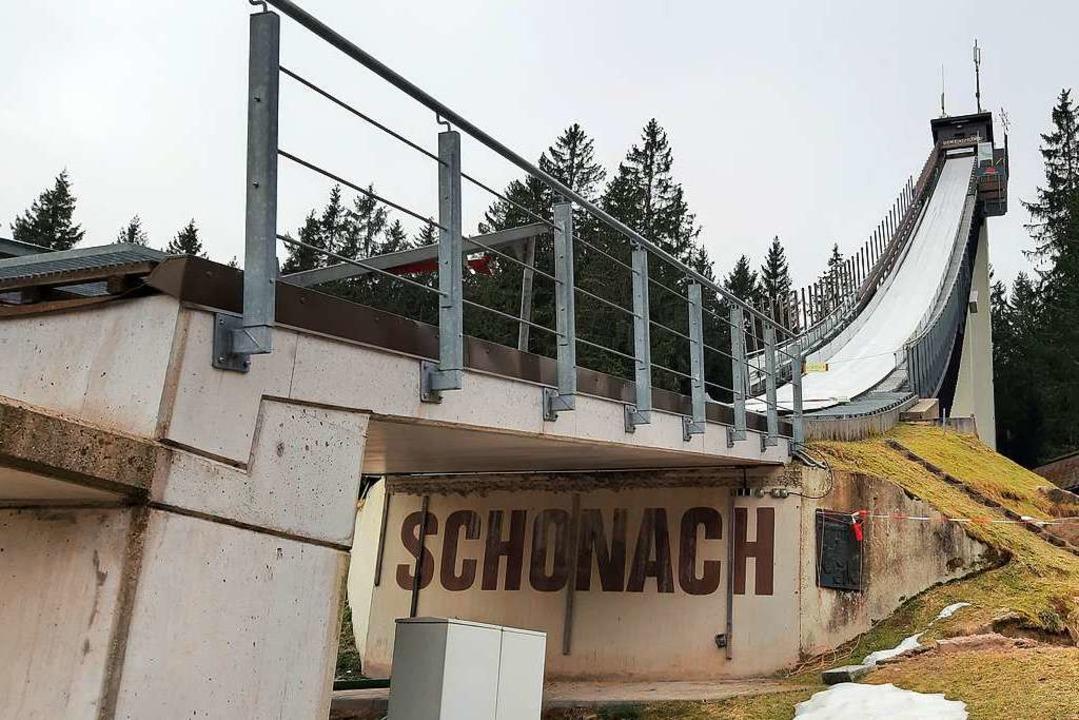 Rampe im Frühling: Die Schonacher Langenwaldschanze  | Foto: Johannes Bachmann