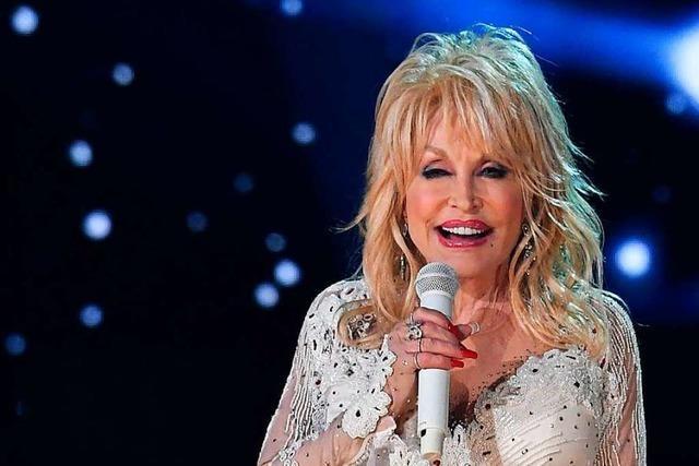 Dolly Parton ist geimpft – und dichtet ihren Mega-Hit