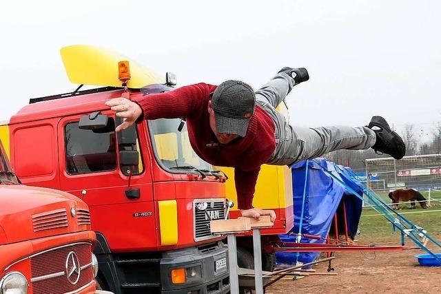 Zirkus Lamberti wartet am Biengener Sportplatz auf bessere Zeiten