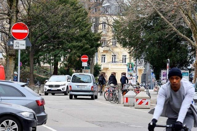 Neue Einbahnregelung in Freiburg hat sich noch nicht rumgesprochen
