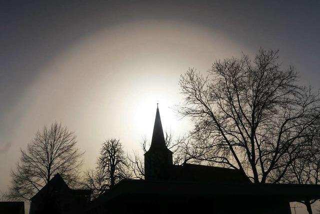 Bishop'scher Ring an der Kirche in Wolfenweiler