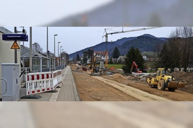 Intensive Bauarbeiten am Bahnhof Gutach