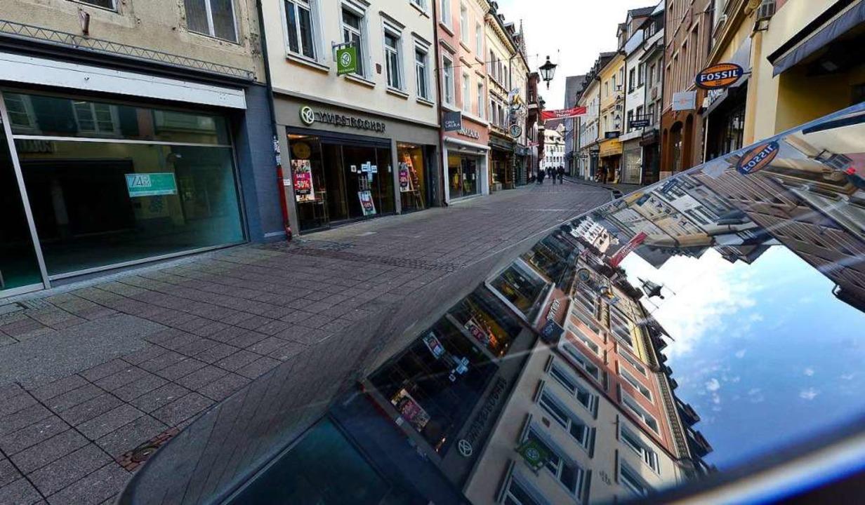 Leerstand in der Rathausgasse in Freib...kenntnis zum stationären Einzelhandel.  | Foto: Ingo Schneider