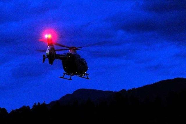 Polizei sucht mit Hubschrauber nach Vermisstem