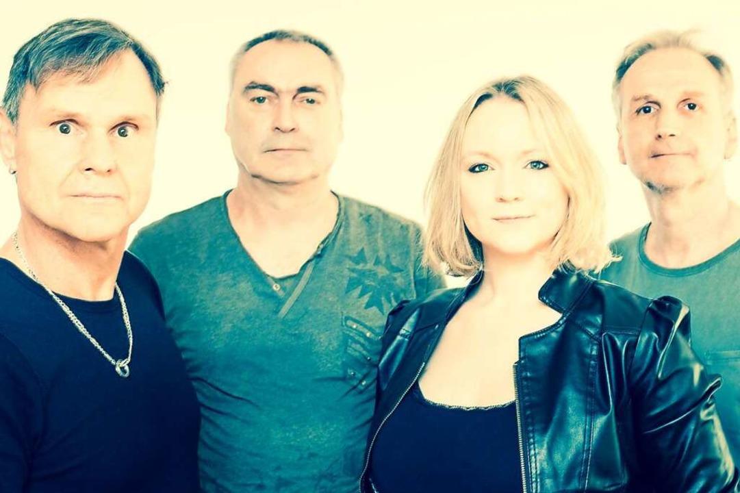 Die Band Bittersüß in ihrer ehemaligen...elle) und Matthias Resch (von links).   | Foto: Stefan Braun      www.sbraun-fot