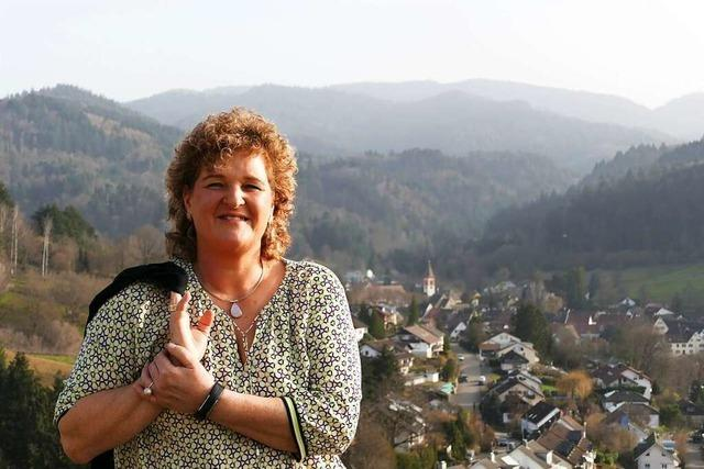 Rundgang mit Bürgermeister-Kandidatin Petra Bienger in Sulzburg