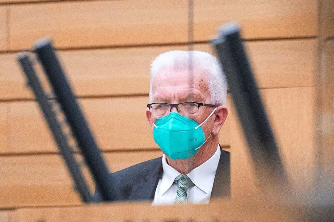 Der Ministerpräsident am Freitag während der Sondersitzung im Landtag     Foto: Marijan Murat (dpa)