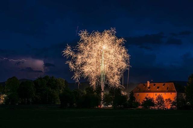 Grandioses Feuerwerk bei der Talvogtei Kirchzarten