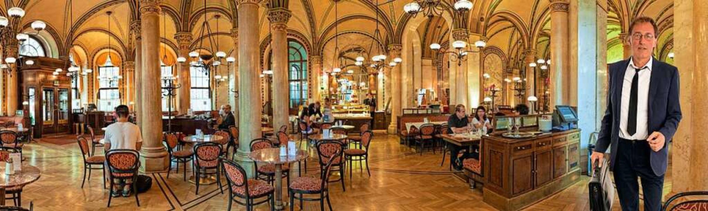 Kaffeevielfalt, süße und salzige Klein...ehenwerden: das Café Central in Wien.   | Foto: Foto: Rolf Fischer (stock.adobe.com)