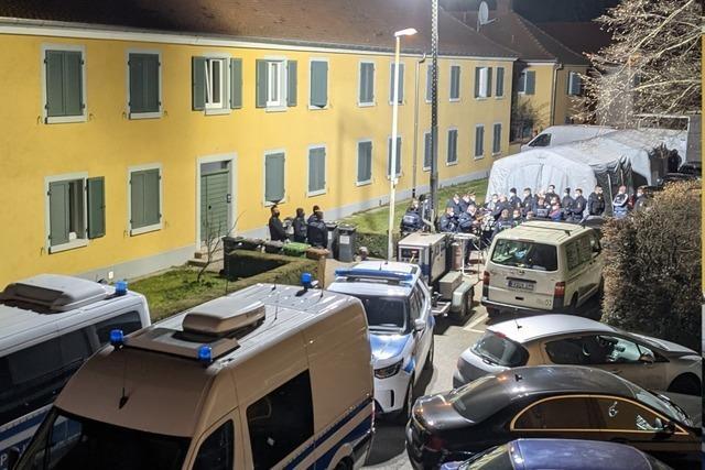 Polizeigroßeinsatz in Haslach: 29 Menschen trafen sich in Gaststätte