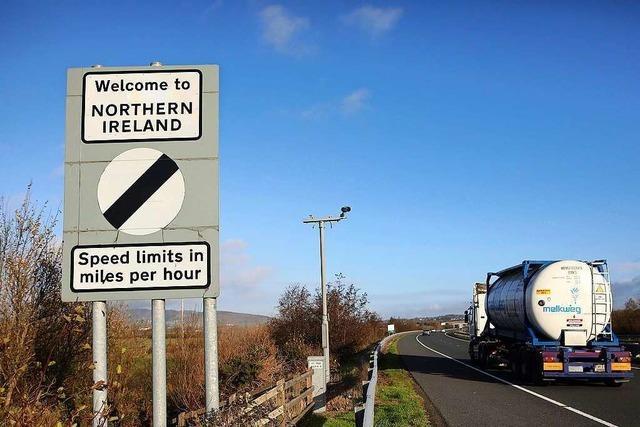 Wieder Streit um Grenze zu Nordirland: Großbritannien fordert EU zu Gleichbehandlung auf