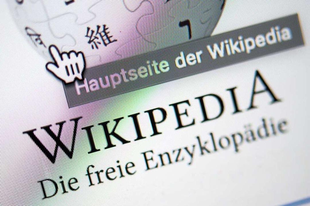 Am 16. März feiert auch die deutsche V...on Wikipedia ihr 20-jähriges Bestehen.  | Foto: Sebastian Gollnow (dpa)