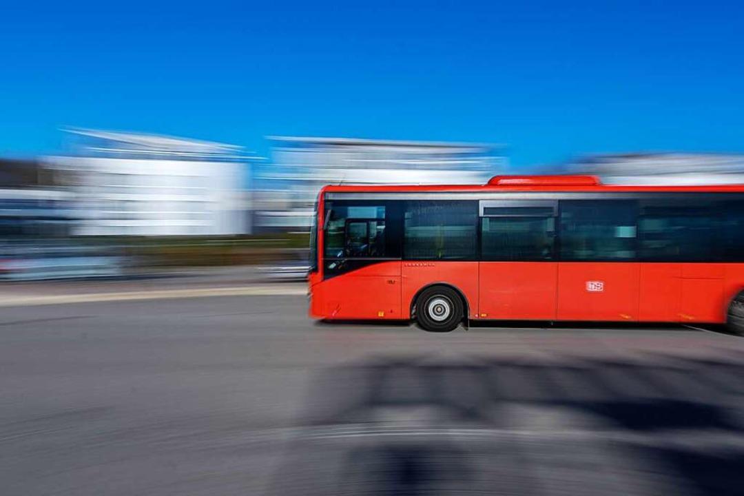 Der Busbahnhof in Hugstetten: Hier bil...e S1 zwischen Freiburg und Gottenheim.  | Foto: Hubert Gemmert