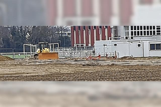 Auf einer Altlast entsteht derzeit das neue Hüninger Stadion