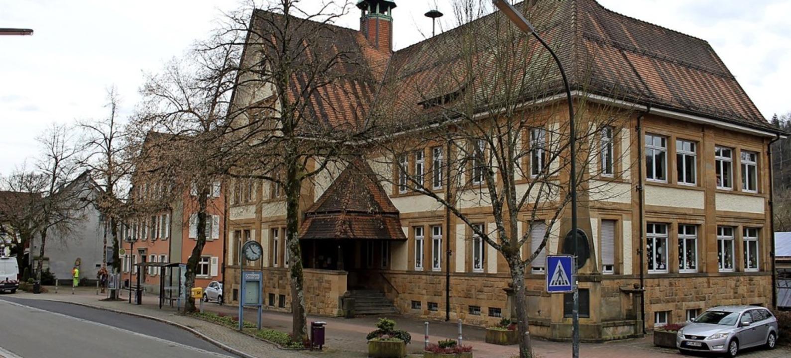 Der Öflinger Ortskern mit Schule und R...                                        | Foto: Hansjörg Bader
