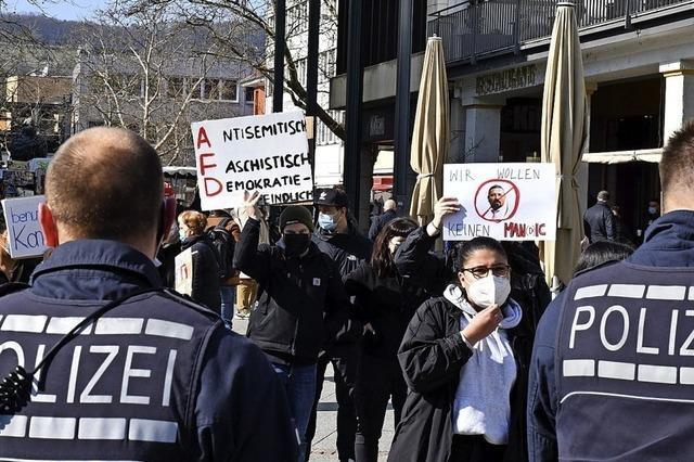 Antifa belagert Wahlkampfstände der AfD