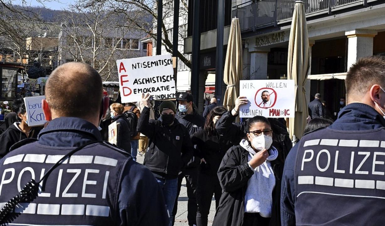 Der Protest gegen die AfD verlagerte sich  nach Lörrach.   | Foto: Barbara Ruda