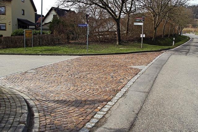 Neuer Straßenbelag an Ortseinfahrt