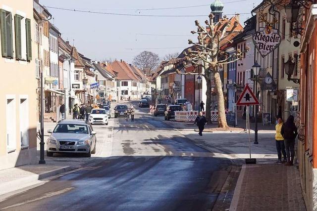 Nach 21 Monaten Bauzeit ist die Kenzinger Hauptstraße fertig