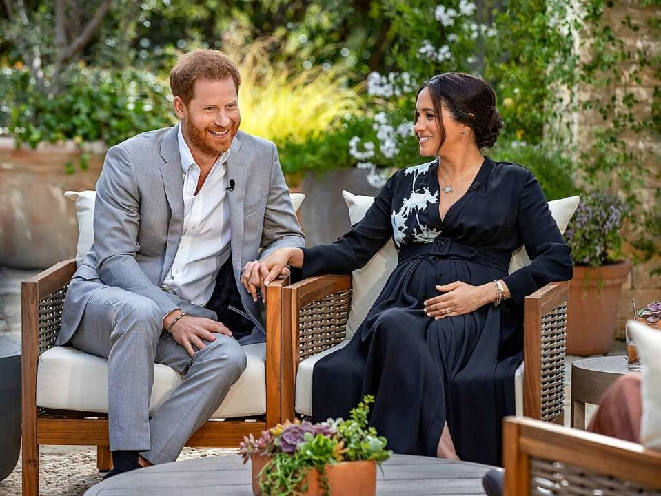 Prinz Harry und Meghan im Interview in Kalifornien    Foto: Joe Pugliese (dpa)