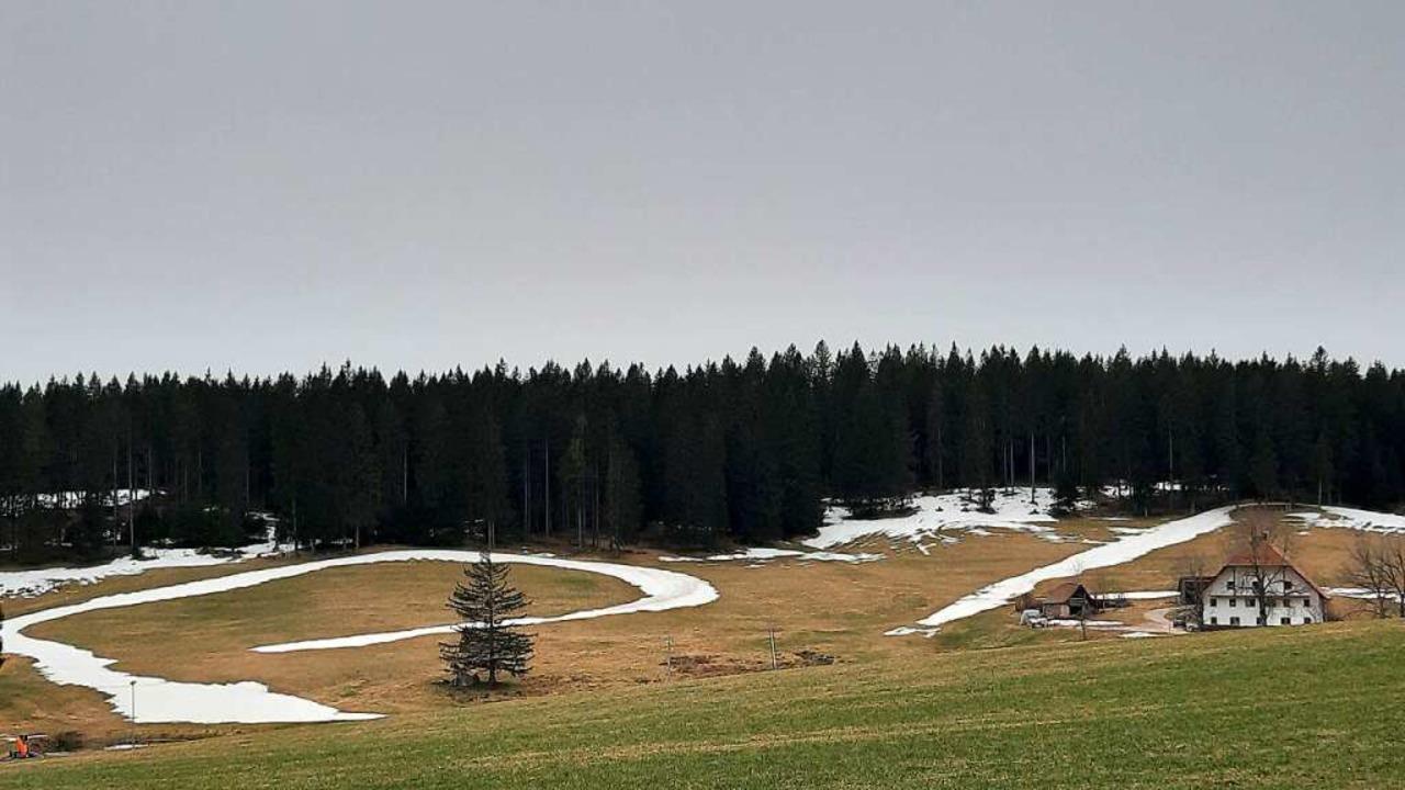 Auch im Skistadion Wittenbachtal gab&#...m Wochenende schon mehr Grün als Weiß.    Foto: Johannes Bachmann