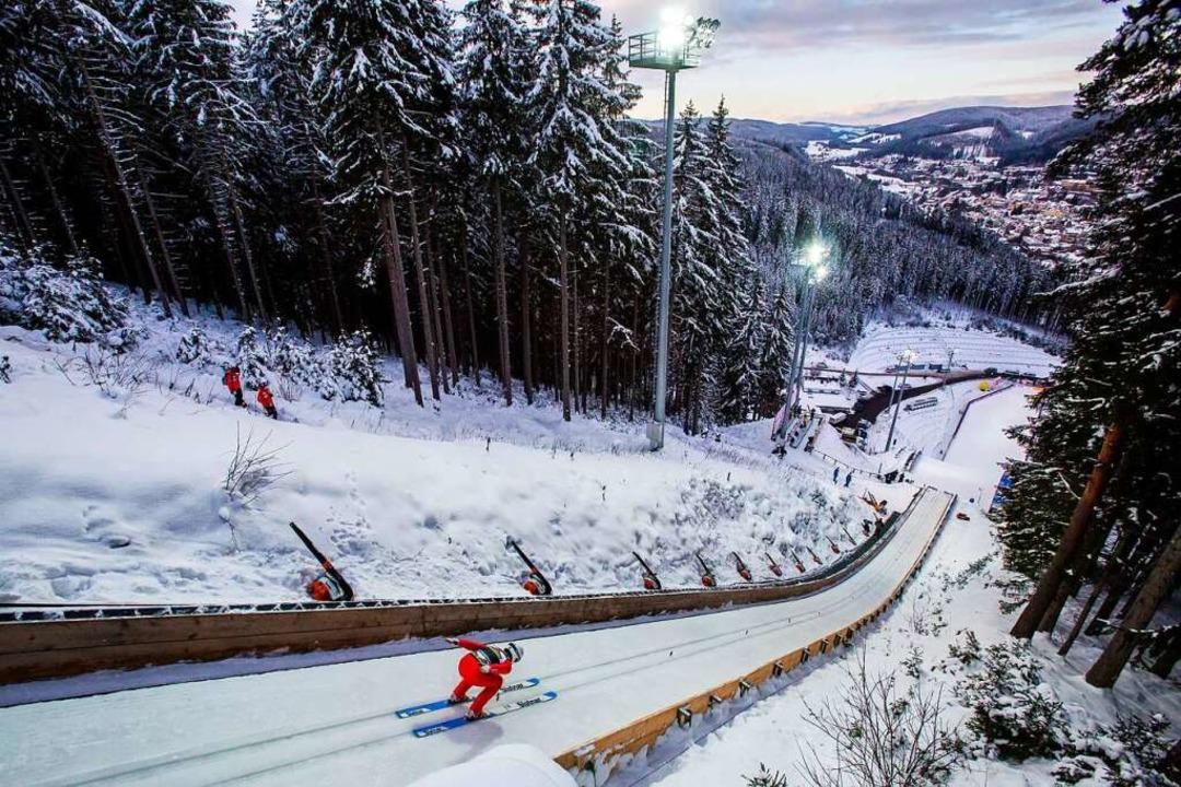 Die Hochfirstschanze hat vielleicht am...vor sich im Schwarzwälder Wintersport.    Foto: Philipp von Ditfurth (dpa)
