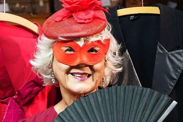 Ihre Rollen sind die Maskerade der Rheinfelder Schauspielerin Adelheid Schellhorn