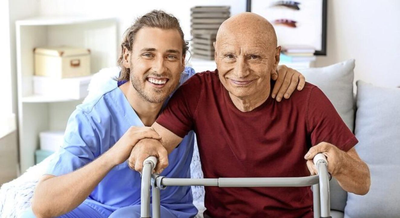 Der Kontakt mit älteren Menschen kann viel Freude bereiten.  | Foto: Pixel-Shot (stock.adobe.com)