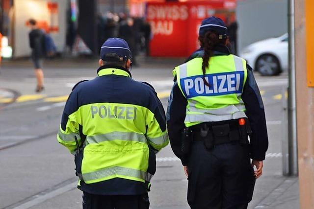 Unbewilligte Demo am Weltfrauentag in Basel bleibt friedlich