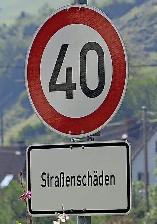 Die Straßenschäden sollten behoben sei...ünstertals Ortsdurchfahrt gelten wird.    Foto: Hans-Peter Müller
