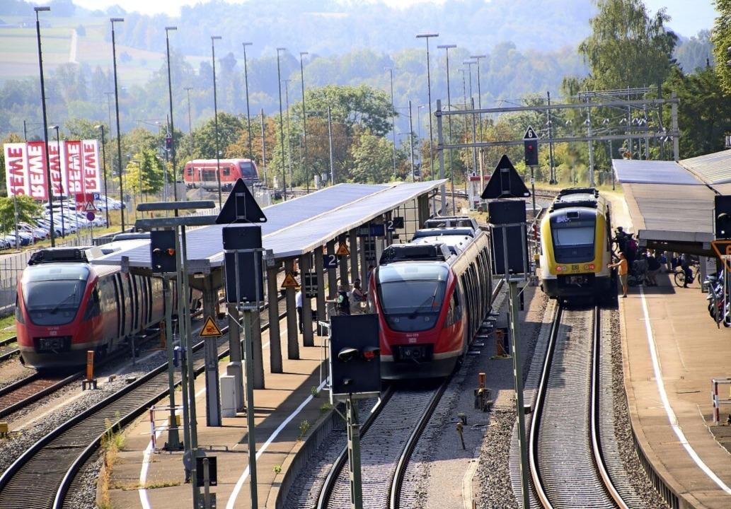 Dem Ausbau des Bahnverkehrs messen die...bei. Im Bild der Bahnhof in Waldshut.     Foto: Maximilian Halter