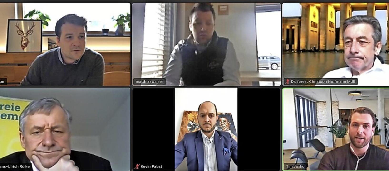 Die Teilnehmer des Online-Gesprächs, Aron Stiefvater ist hier nicht sichtbar    Foto: Ansgar Taschinski