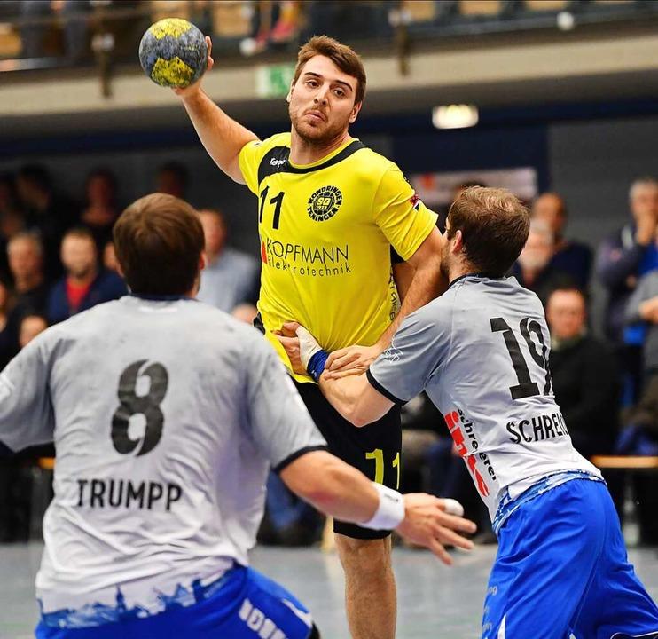Will weiterhin für die SG Tore werfen: Rückraumspieler Fabrizio Spinner  | Foto: Achim Keller