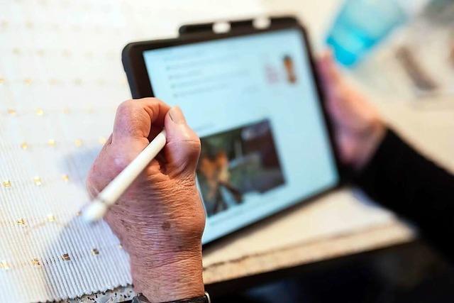 Er hilft, dass sich Weiler Senioren in der digitalen Welt zurechtfinden