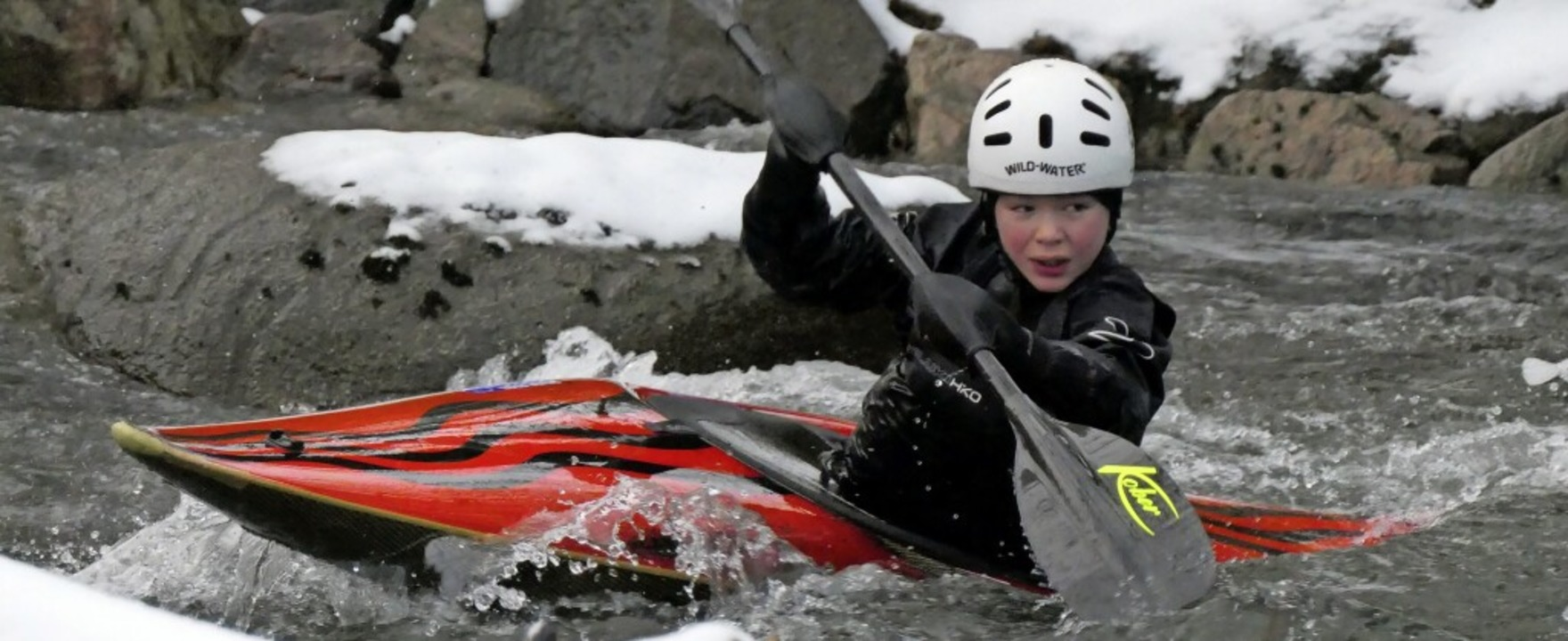 Winterliches Paddeltraining im KCE: Ju...t von der  Landes-Talentfördergruppe.   | Foto: Jörg Kleinschmit.