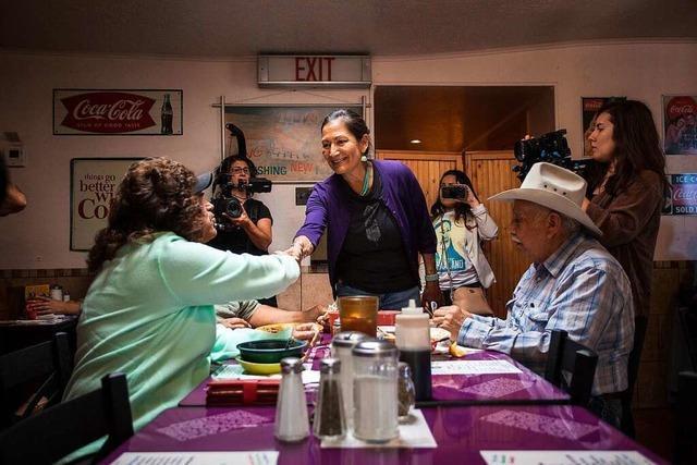 Innenministerin Deb Haaland soll die erste Indigene in einer US-Regierung werden
