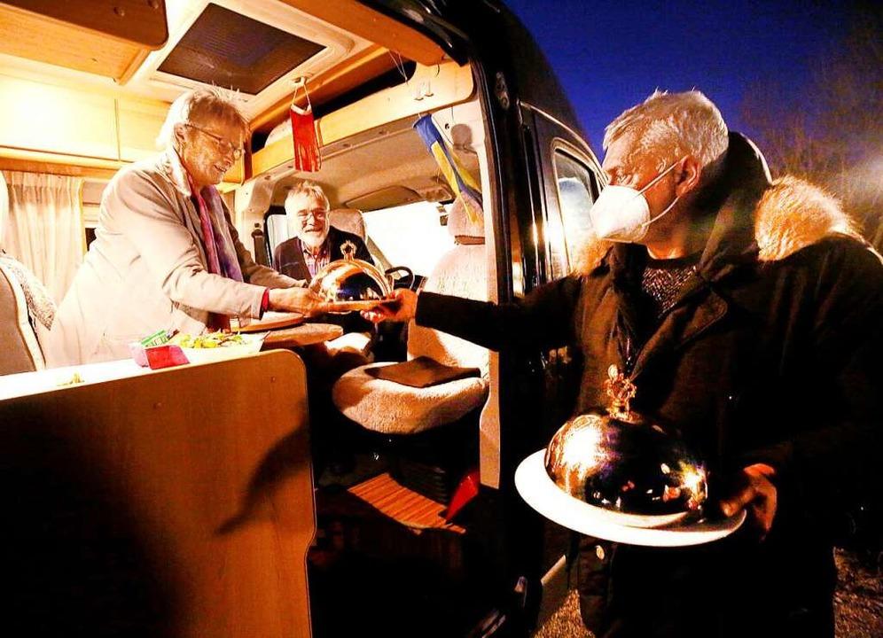 Wohnmobil-Dinner    Foto: Roland Weihrauch (dpa)