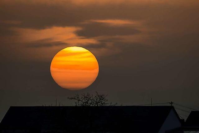 Sonnenuntergang mit Saharastaub bei Denzlingen
