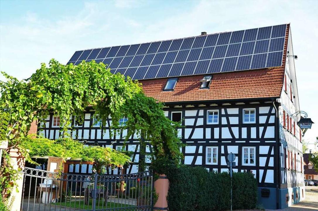 In Vörstetten: Tradition trifft auf Moderne, Fachwerk auf Solarmodule.  | Foto: Kathrin Blum