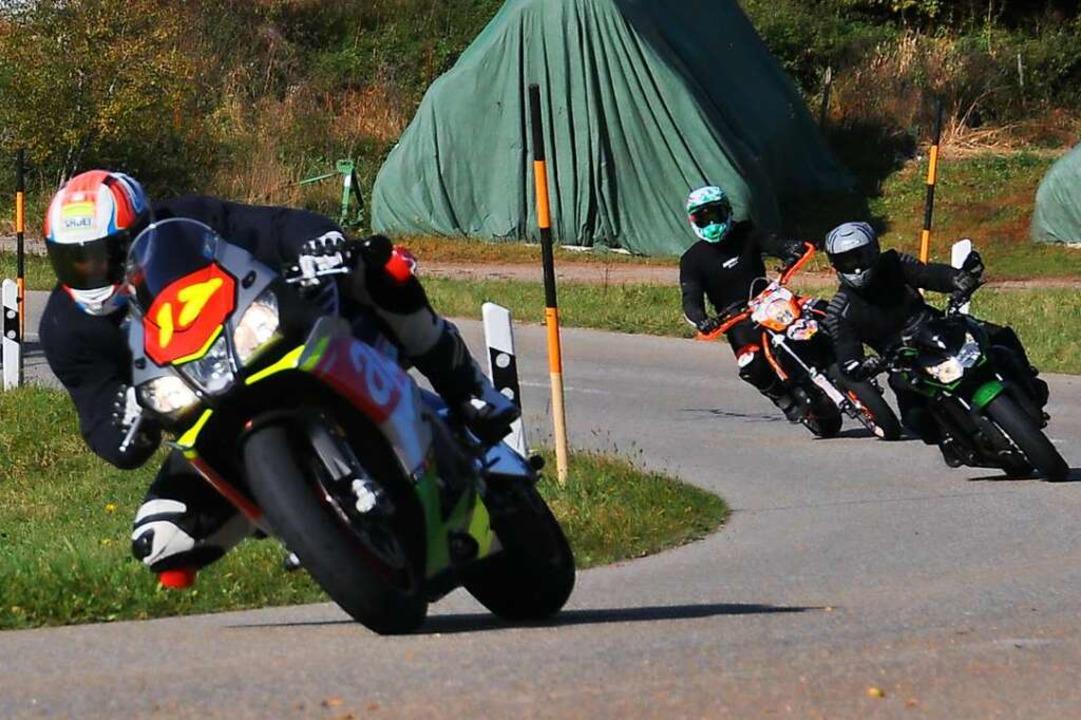 Kurvenreiche Strecken, wie hier bei Gersbach, sind bei Motorradfahrern beliebt.    Foto: Daniel Gramespacher