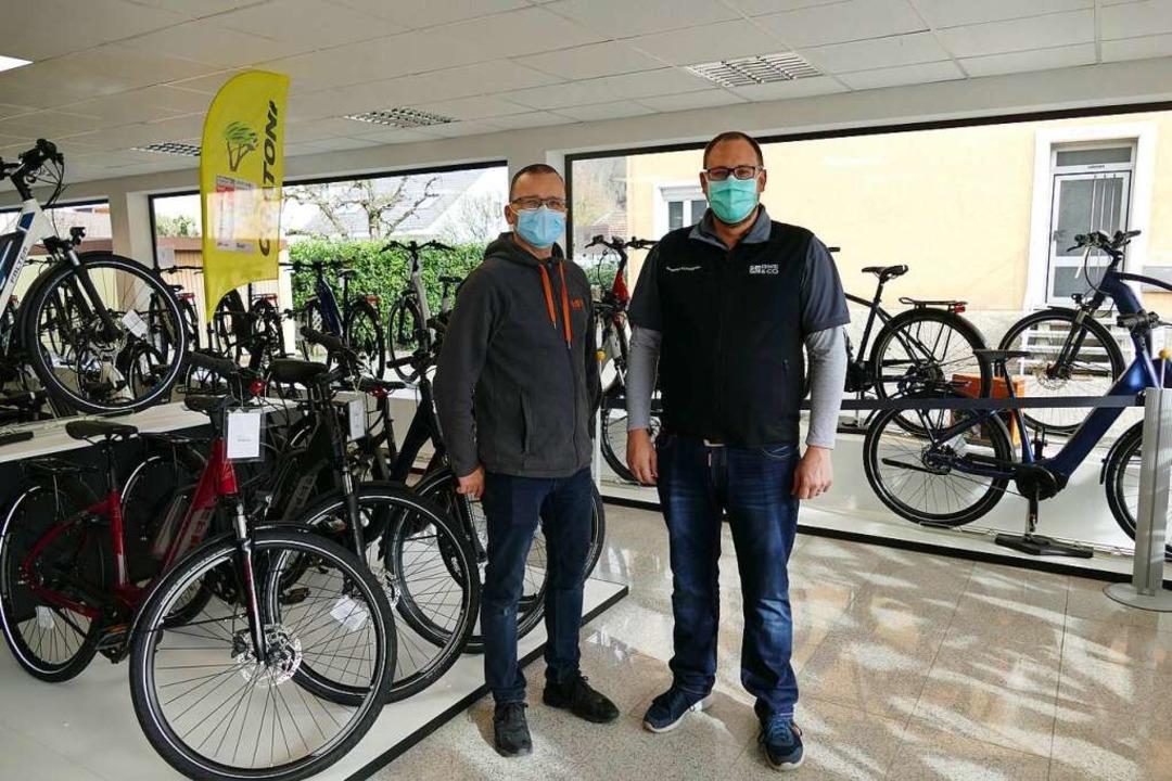 Für den Fahrradverkauf ist das Termin-...n Stephan Wolf und Stephan Schlageter.  | Foto: Dora Schöls