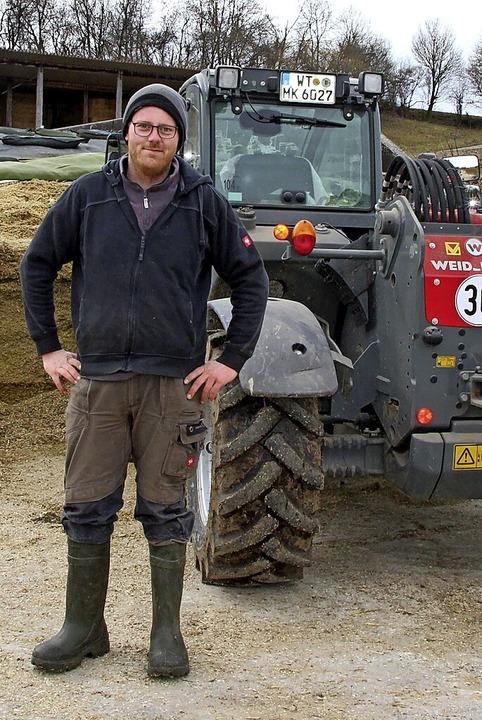 Landwirt Dominik Hirt aus Wangen  hat ...s die  Hundetoiletten  genutzt werden.    Foto: suedkurier