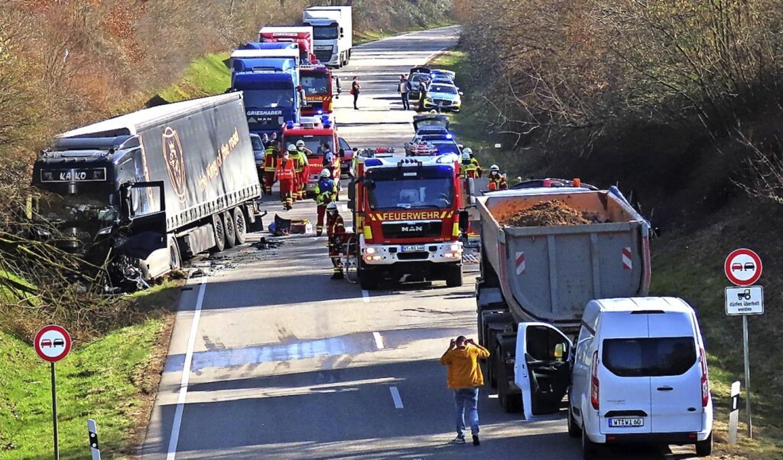 Der Unfall Ende Februar sorgte für ein Verkehrschaos in Wallbach.  | Foto: Gerd Leutenecker