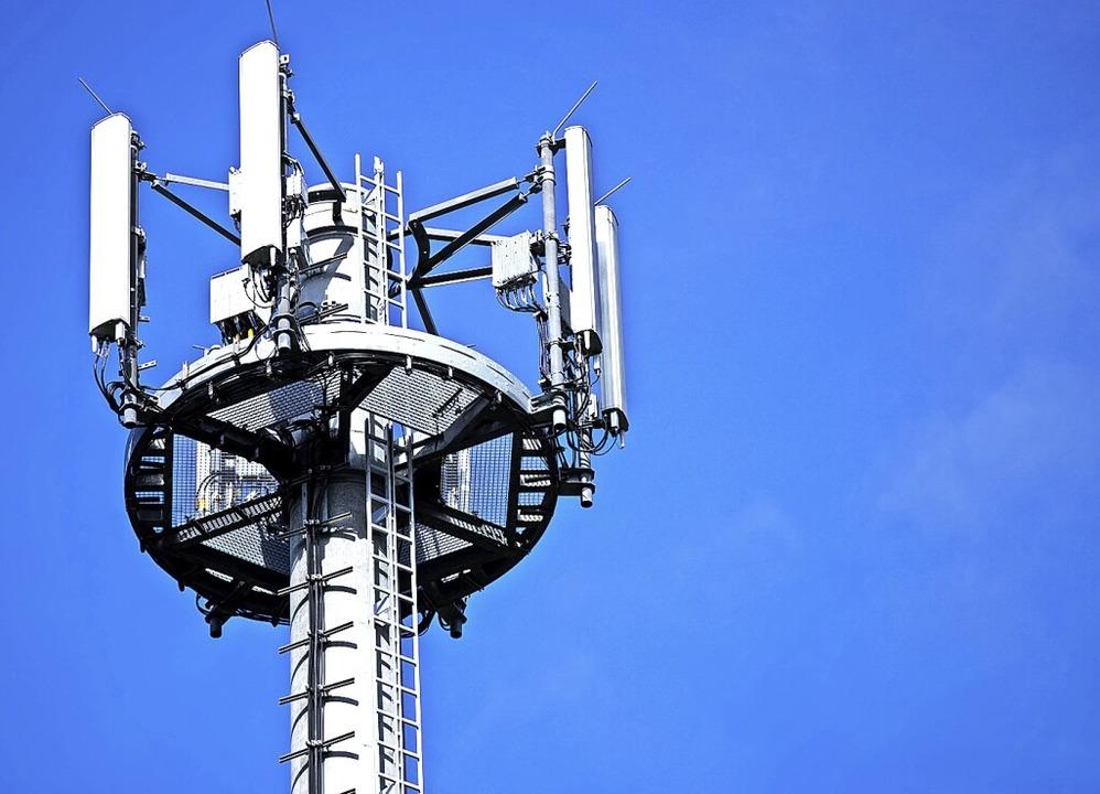 In Riedichen ist ein Mobilfunkmast zwi...ielplatz wahrscheinlich (Symbolbild).   | Foto: Jens Büttner (dpa)