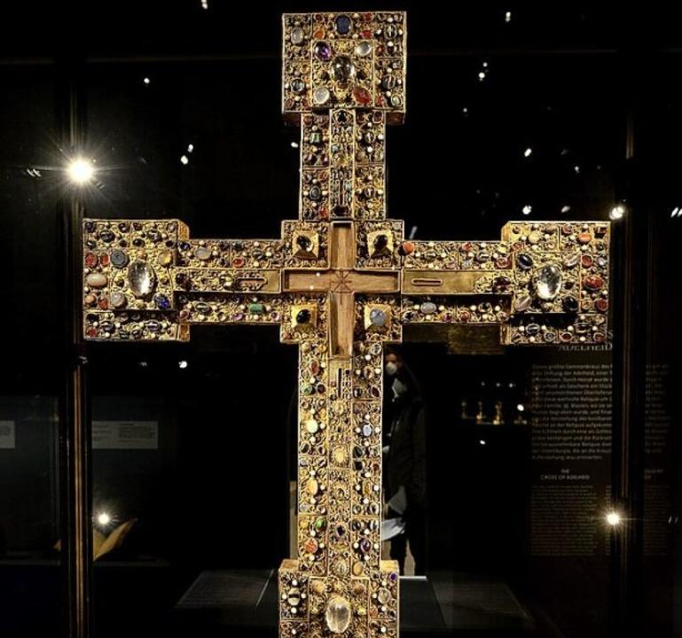 Das Adelheidkreuz aus dem 11. Jahrhundert ist im Augustinermuseum zu sehen.    Foto: Ingo Schneider
