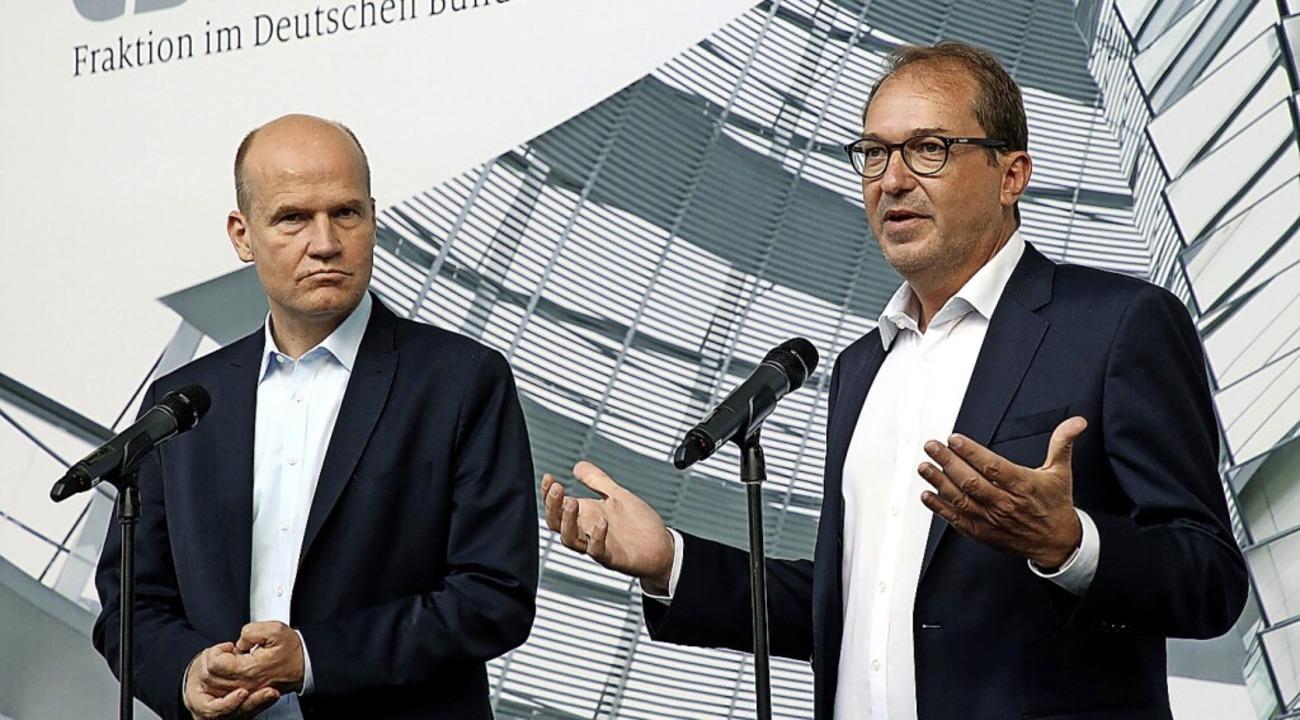 Der CDU/CSU-Fraktionsvorsitzende Ralph... Bundestag, bei einer Pressekonferenz.  | Foto: Wolfgang Kumm (dpa)