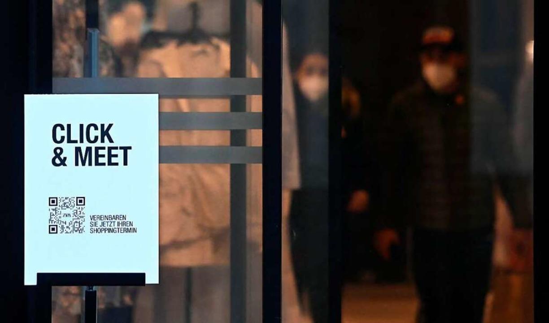 Im Kreis Emmendingen kann nur mit Click and meet eingekauft werden    Foto: CHRISTOF STACHE (AFP)