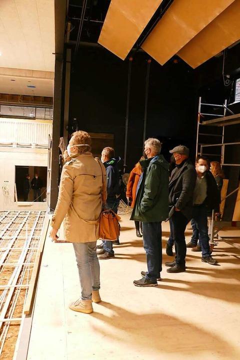Die GVV-Verbandsversammlung überzeugte...ufortschritt der neuen Mehrzweckhalle.    Foto: Sarah Trinler