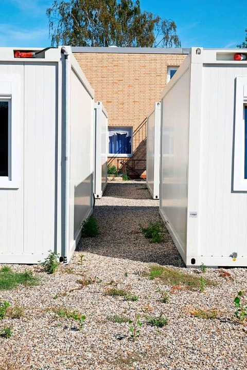 Heitersheims größte Notunterkunft ist mit Containern erweitert worden.    Foto: Martin Pfefferle